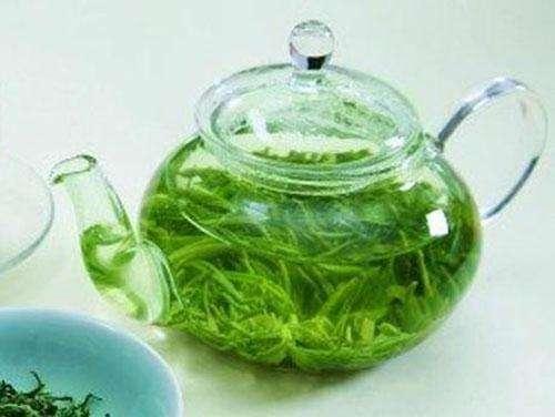 白癜风患者喝绿茶要注意!